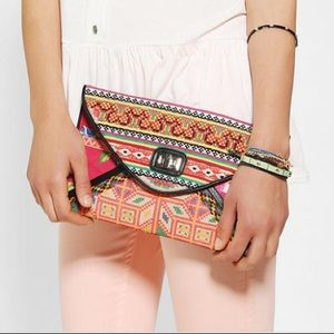 Ecote multicolor woven textured envelope clutch